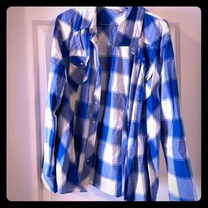 Blue and White snap faux flannel Guess top